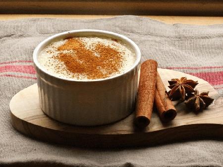 Лесно и бързо мляко с грис и канела за десерт - снимка на рецептата